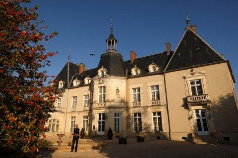 Analyse du toit d'un château pour connaître l'état d'usure de la couverture près de Dijon