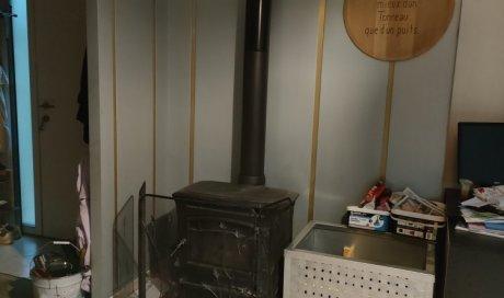 Zinguerie d'intérieur (pan de mur et caisse à bois en zinc et aluminium) à DIJON